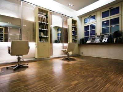 Der Renovierte Boden eines Friseurladen